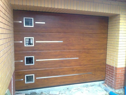 аппликации с окнами на воротах