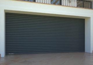 Нюансы и особенности выбора гаражных ворот для дома